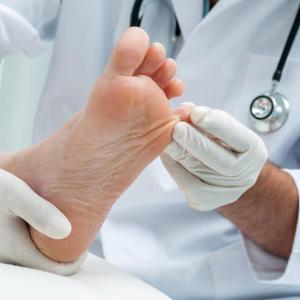 Wynnum Podiatry - Mint Foot Care Logo Service